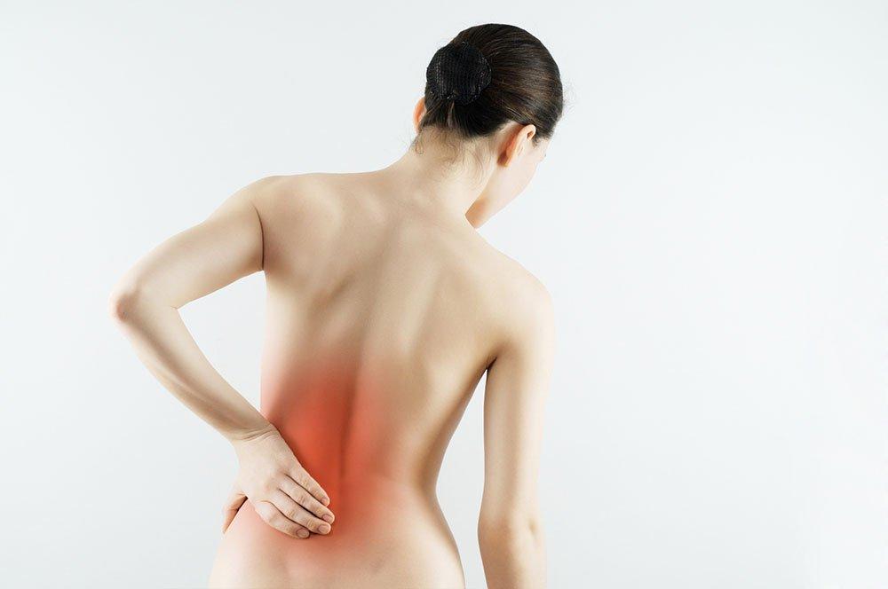 bolecine v hrbtu